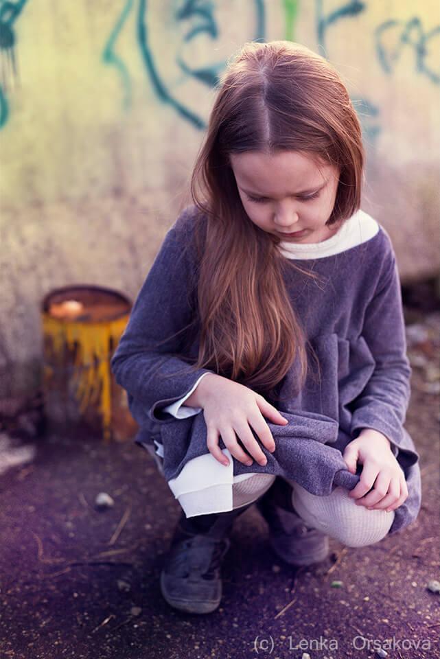 Gli abusi e i traumi dell'infanzia su una bambina piccola